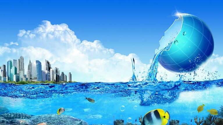 Алла Громова очищает планету от мусора