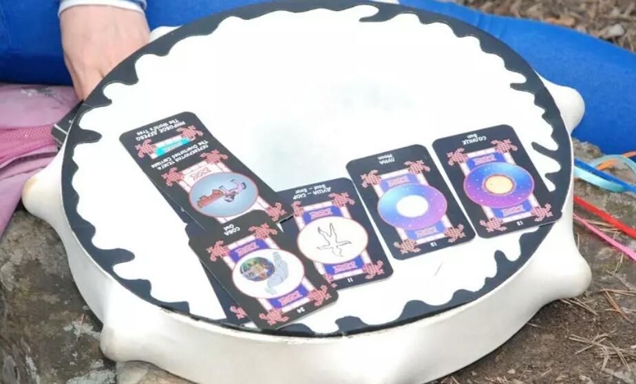 Шаманское Таро, таро шаманов, белая шаманка, сибирский шаманизм,Алла Громова,помощь шаманки,советы шаманки, предсказания шаманов,гадания,гадальные карты